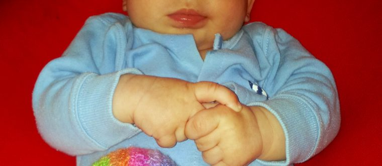 What's that noise? – how to crochet a baby rattle